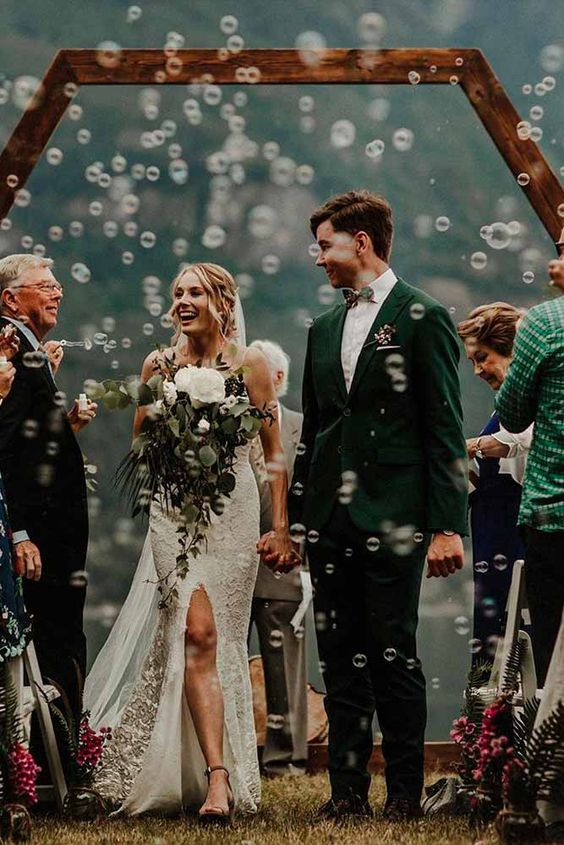 Cap kỉ niệm ngày cưới.